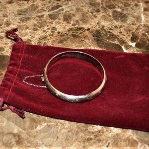 ✨SALE✨ 925 Sterling hoop bracelet